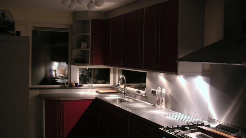 Sfeerbeeld vernieuwde keuken met verlaagde ramen